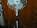Ventilator oscilant TechnoLUX cu suport 45 W 40 cm 3 viteze