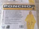 Poncho cu glugă