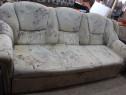 Canapea 3 locuri extensibila; Pat cu Saltea 190x120 cm