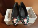 Pantofi fete gen opincute cu broderie mărime 36 -noi