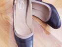 Pantofi din piele, mărimea 35, noi