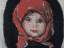 Goblen fata cu basma roșie
