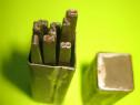 9356-Cutie cu Pansoane mici cu cifre 1-9 subtiri metal.