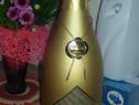 Sampanie cu foita de aur