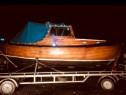 Barca de lemn stejar cu cabina dormit
