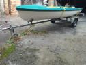 Barca cu remorca