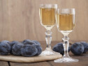 Palinca prune sau pere tare