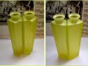 2 vaze vechi din sticla