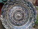 Farfurie veche din ceramică
