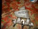 Pompa servofrana opel astra f 1.6 benzina