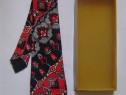 Cravată vintage