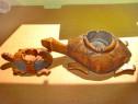 Set 2 Broaste statuiete tip scrumiera lemn masiv tare sculpt