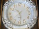 Ceas de perete clasic (alb)