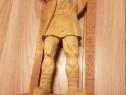 Statuie din lemn- sculptata