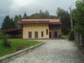 Casa de vacanta D+P+M si teren in Poiana Marului,Jud. CS