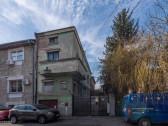 Gara de Nord-Plevnei, vila interbelica solida, 243 mp.