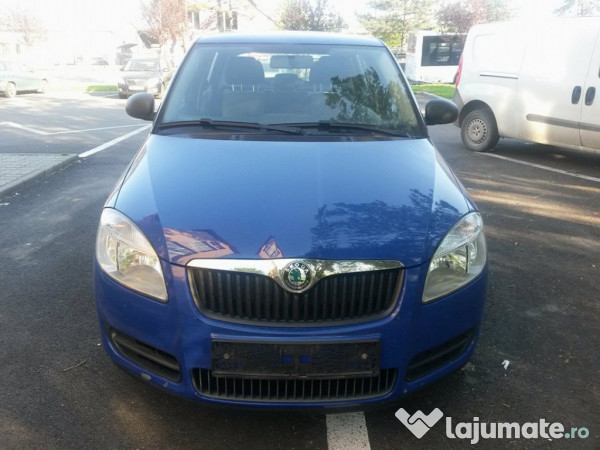 skoda fabia hatchback benzina 2009 euro 4 nmatriculata 2. Black Bedroom Furniture Sets. Home Design Ideas