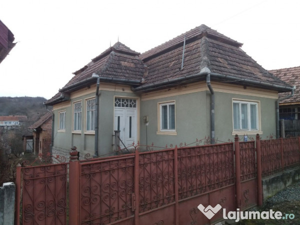 Vanzare  casa  3 camere Alba, Livezile  - 150000 EURO