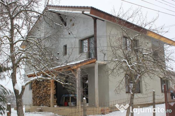 Vanzare  casa  4 camere Salaj, Badon  - 76000 EURO