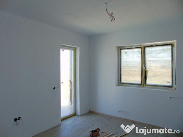 Apartament 3 Camere Calea Cisnadiei Nemob 89 Mp Dec Et 1