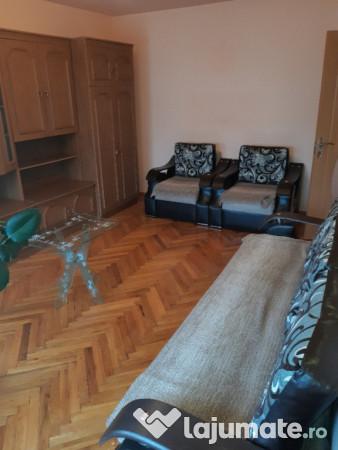 Vanzare  apartament  cu 3 camere Hunedoara, Hateg  - 36000 EURO