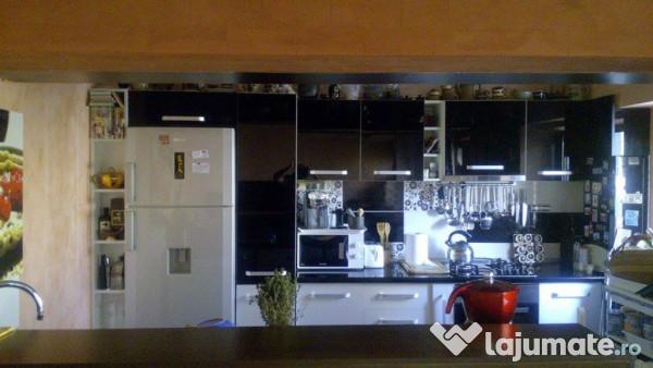 Apartament cu salon open space in zona garii eur for Salon open space