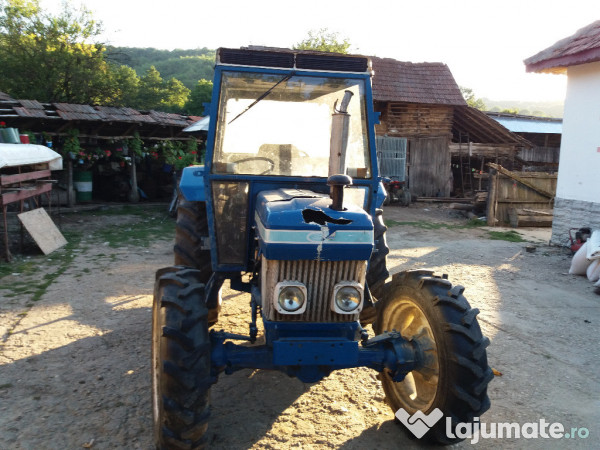 Ford 3610 Tractor : Tractor ford cai servo eur lajumate ro