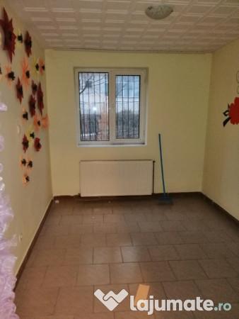 Inchiriere  apartament  cu 3 camere Valcea, Cazanesti (Ramnicu Valcea)  - 220 EURO lunar
